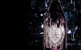 Il regista David Lynch disegnerà l'etichetta di Dom Perignon