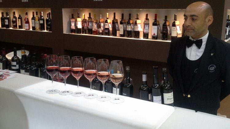 Vinitaly: Presentata la II edizione del Concorso enologico nazionale dei vini rosati