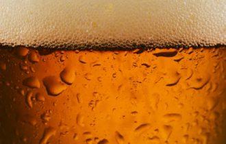 Birra, piacere e dipendenza per il cervello maschile