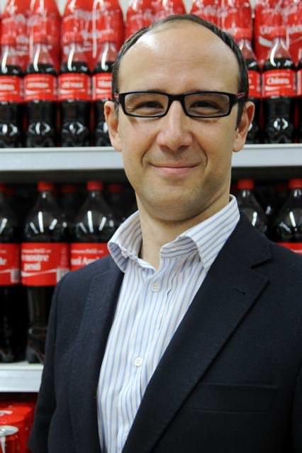 Coca-Cola ora è 2.0: compie 127 anni ma è ancora giovane e frizzante come una ragazzina