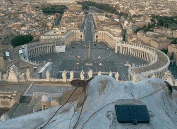Marcello di Finizio, da quasi 24 ore sulla Cupola di San Pietro