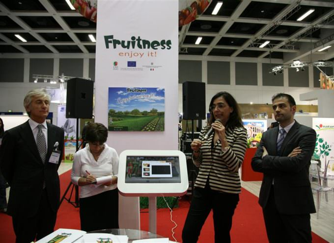 Fruitness enjoy it! A Fruit Logistica 2014 presenta il punto vendita ideale