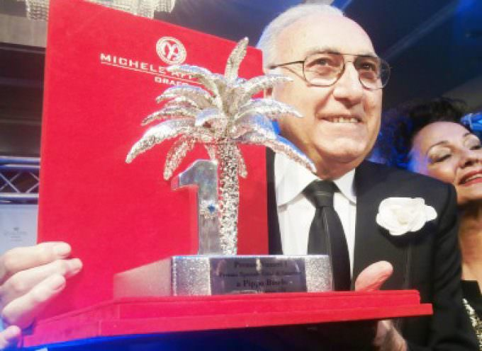 Pippo Baudo premiato al Gran Galà del Festival – Premio Dietrolequinte