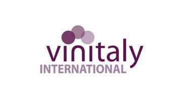 Vino italiano cresce in Cina by Vinitaly: tavola rotonda con importatori e istituzioni cinesi