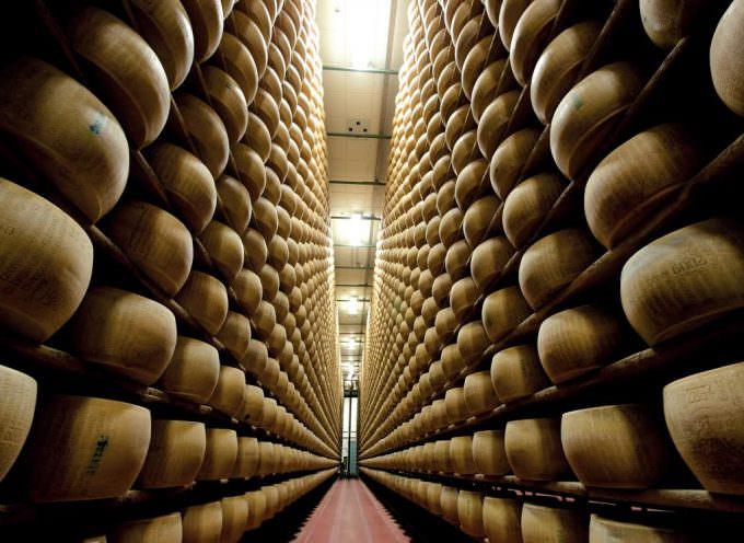 Trasformazione del sistema del Parmigiano-Reggiano: Intervista a Filippo Arfini e Francesca Manfredi del dipartimento di economia dell'università di Parma