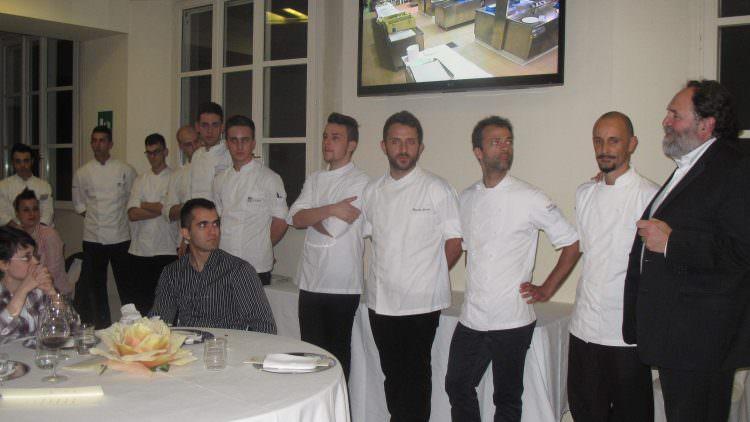Scuola di cucina italiana alma cena d autore con lo chef enrico crippa newsfood nutrimento - Corso cucina italiana ...