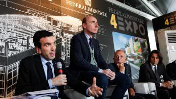 Ministro Martina a Cibus 2014, trampolino di lancio dell'agroalimentare a Expo 2015
