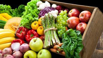 Dieta SPF: frutta e verdura contro il sole