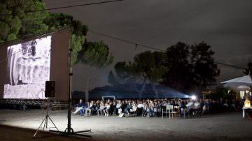 """""""Cinemadivino"""" per tutto agosto porterà il grande schermo nelle aie delle cantine"""