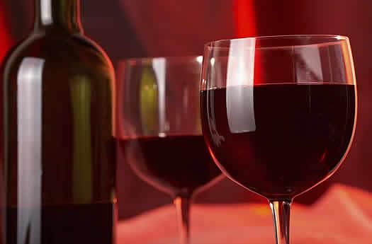 Azienda agricola Cosimo Taurino di Guagnano: Rubate 11.580 bottiglie di vino di qualità