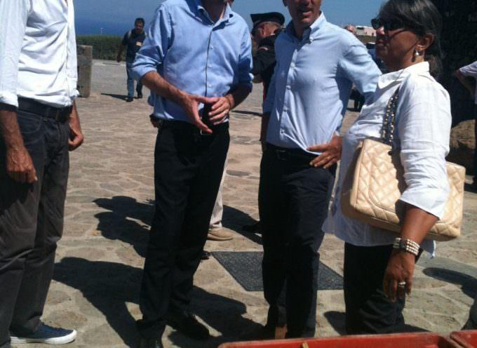 Il Ministro Maurizio Martina a Pantelleria vendemmia lo Zibibbo e inaugura Passitaly 2014