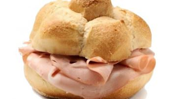 In attesa del Festival Internazionale della Mortadella: un sondaggio sul pane più adatto