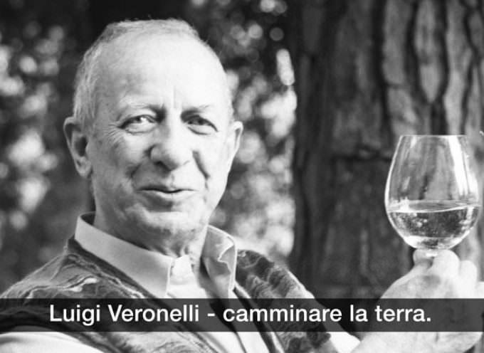 """La voce di Luigi Veronelli racconta """"Camminare la terra"""" alla Triennale di Milano"""