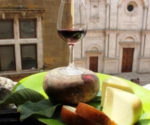 Pienza: ONAF e vino Orcia insegnano il vino giusto per ogni formaggio
