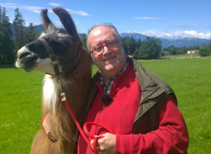 Melaverde: Edoardo Raspelli visita il più importante allevamento di lama e alpaca in Italia