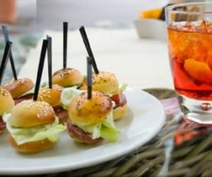 Happy hour con buffet self service: Il Codacons chiede l'intervneto dei Nas e dell'ASL