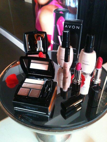 Avon:  il nuovo rossetto Colore Semprevivo BOLD