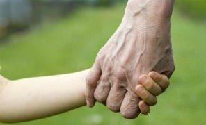 """Coldiretti: """"I nonni aiutano una famiglia su tre"""""""