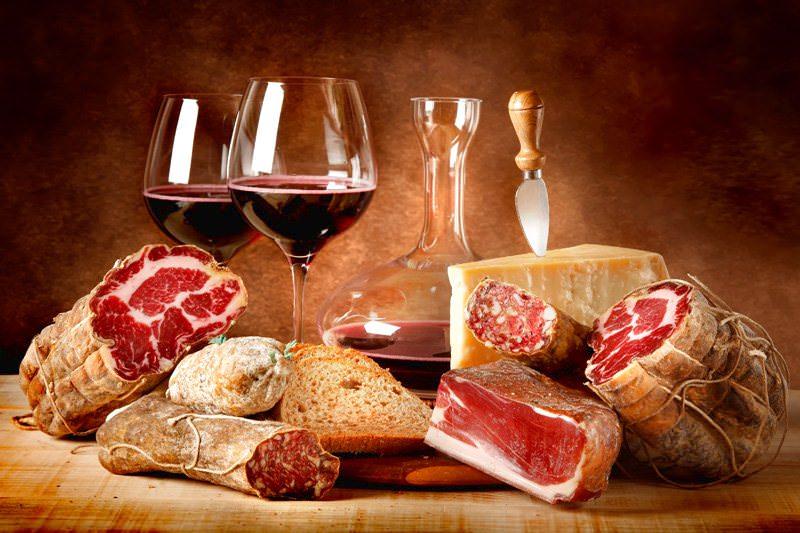 Ottobre di gusto a Piacenza: Mi Piace Tipico 2014 e le sue novità, la rassegna gastronomica e lo showcooking