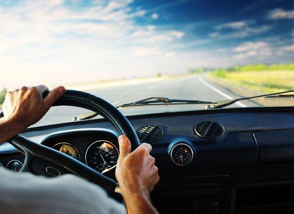 Auto in uso a persona diversa dal proprietario e annotazione sulla carta di circolazione: le nuove regole