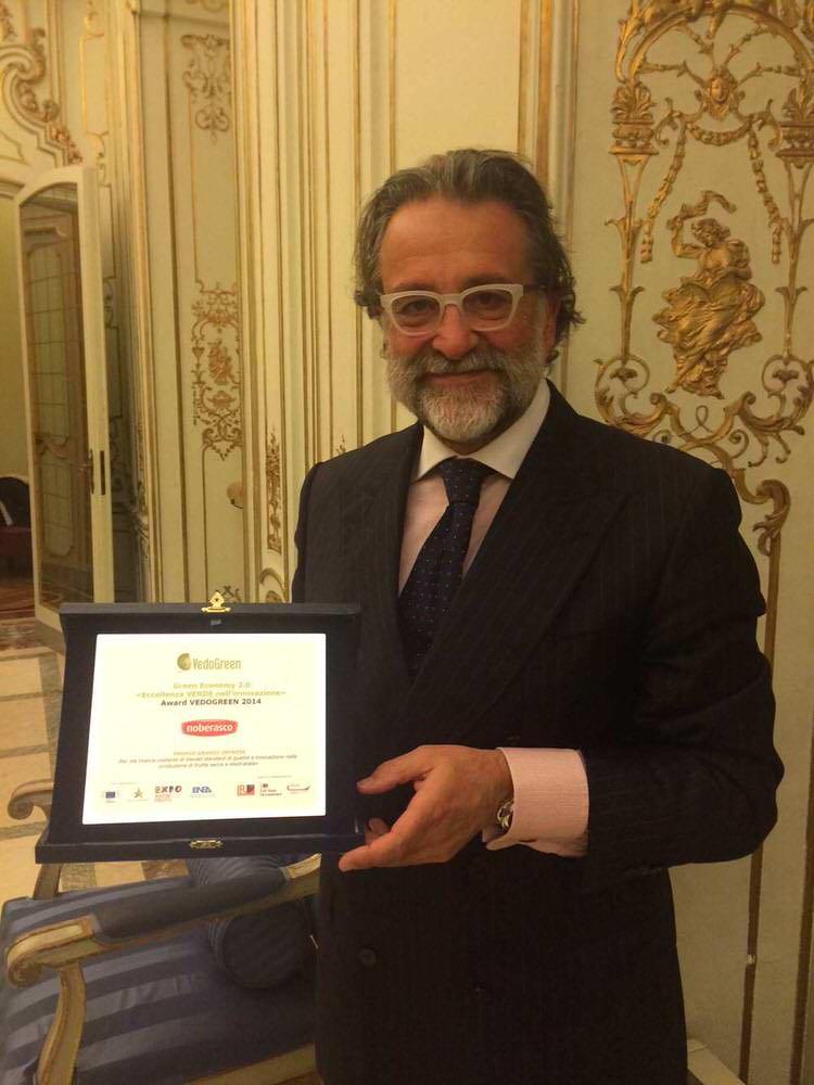 Premio VedoGreen consegnato a Gabriele Noberasco