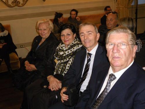 Giuseppe Barile con G. Mercadante, la moglie Liliana e la consorte di Barile