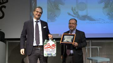 Packaging Award 2014 : Sant'Anna Bio Bottle vince il premio per la Sostenibilità nella categoria Food&Beverage