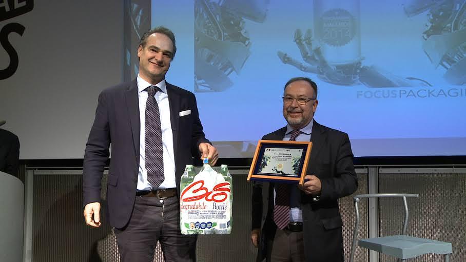 Packaging Award 2014 : Sant'Anna Bio Bottle vince il premio per la Sostenibilità nella categoria Food&Beverage