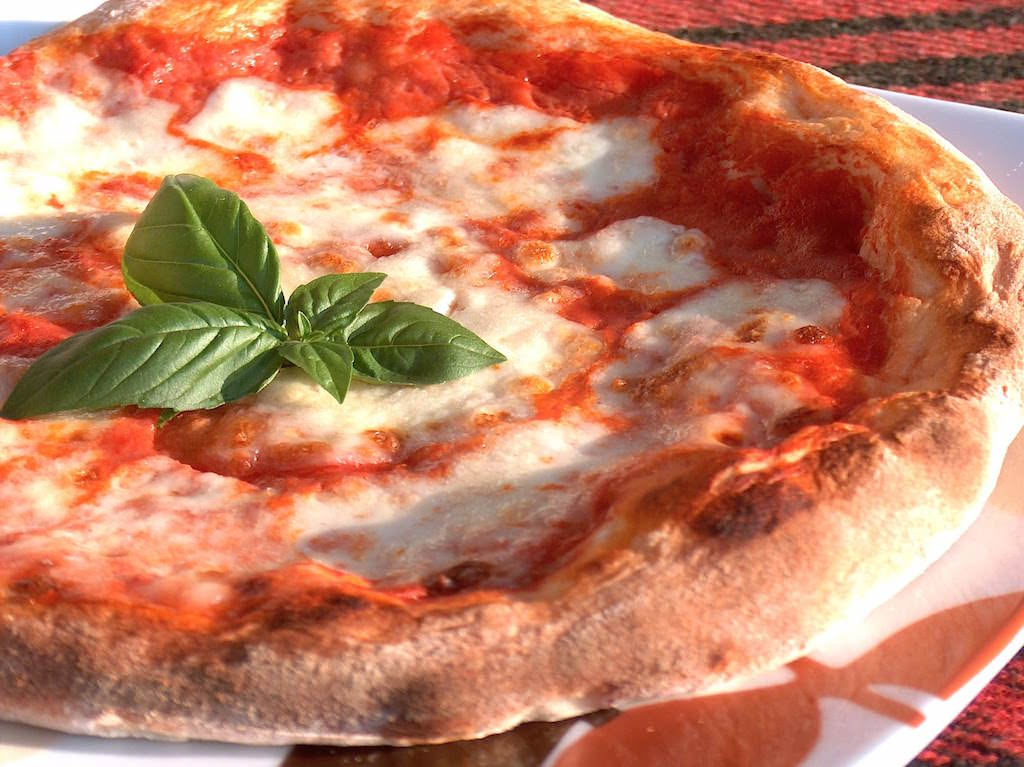 La Pizza Margherita di Cristian Culicchia a Galgenen, Svizzera Centrale