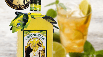 Il Limoncello dell'Antica Distilleria Petrone nel film Third person