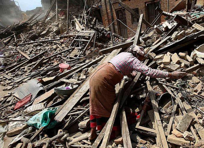 UNICEF e WFP Italia: Sosteniamo il Nepal donando 1 euro al 45596