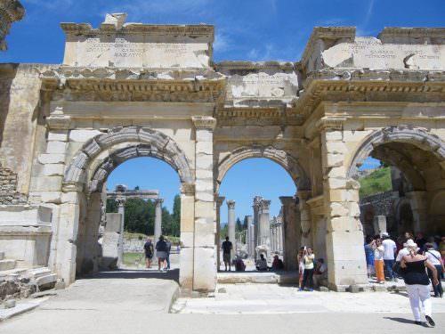 Portali d'ingresso, Efeso