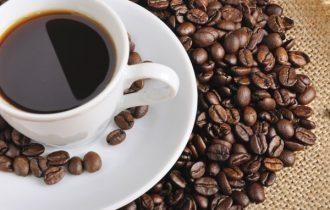 Abbuffate natalizie: Il caffè facilita la digestione