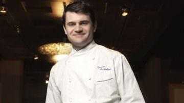 Lo chef Enrico Bartolini testimonial di Rimini Street Food con una ricetta dedicata alla piada