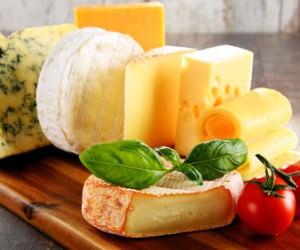 Formaggi prodotti con latte in polvere: Il commento del nutrizionista e omeopata Alberto Fiorito