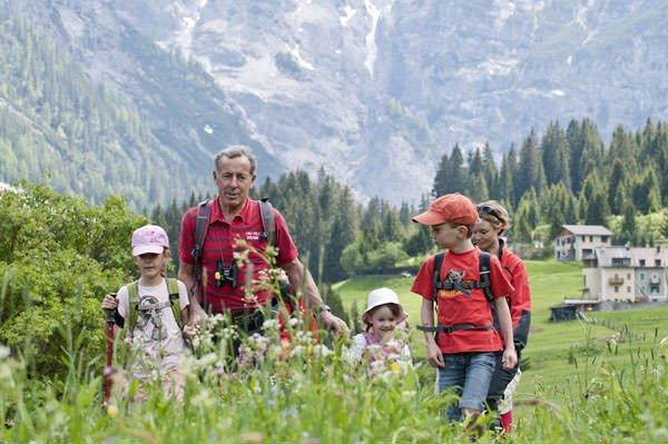 Hotel Bella Vista a Trafoi: Escursioni con il campione del mondo di sci alpino Gustav Thoeni