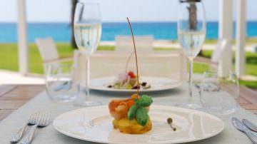 Mare a 360° e pranzo vista mare al Capovaticano Resort Thalasso & Spa