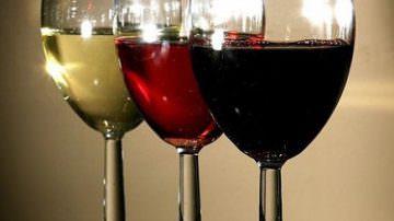Nielsen per Federvini: si beve meno ma si beve meglio