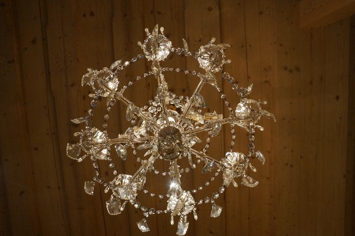 Lumièra: Rifugio Delicatessen con Ghilli Antichità, apre il suo spazio conviviale alla mostra
