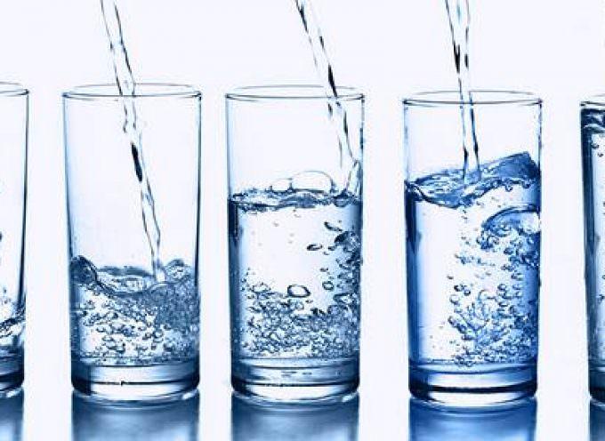 Acqua: il primo alimento antiaging by Chiara Manzi