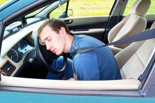Colpo-di-sonno-in-auto