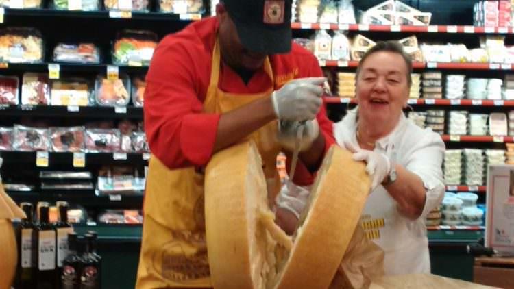 USA : 500 forme di Parmigiano Reggiano a Taste of Italy