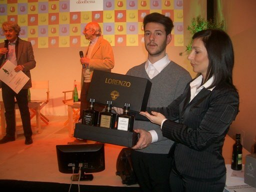 Packaging dell'Extra Vergine di oliva: Speciale OlioOfficina 2016