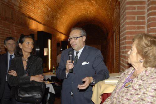 Giampietro Comolli presenta Guida Spumanti VE Enoteca Siena