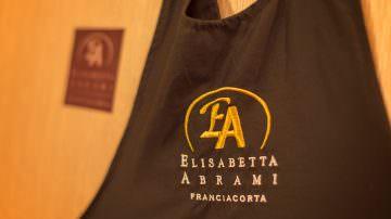 Elisabetta Abrami Vini BIO in Franciacorta: magiche bollicine da Pinot Nero e Chardonnay