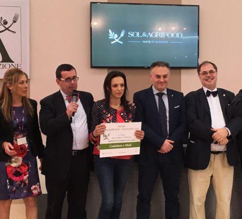 Premiazione Golosaria - Da sinistra Antonella Capriotti, Marco Gatti, Angela Zappia, Rosario Previtera, Paolo Massobrio