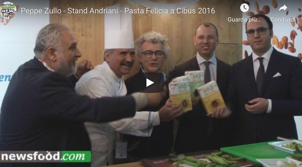 Peppe Zullo a Cibus 2016 cucina la pasta di legumi Felicia (Video)