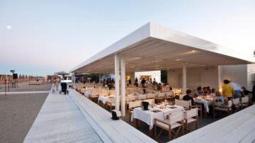 Gli chef scendono in spiaggia al MarePineta Resort di Milano Marittima