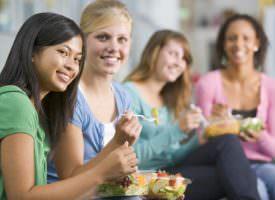 Comportamenti alimentari dei giovani fuori casa by Università Cattolica