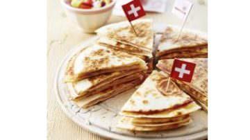 Ratanà: Cesare Battisti cucina il formaggio coi buchi